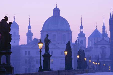 r�publique  tch�que: R�publique tch�que Prague, le Pont Charles, � l'aube