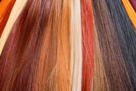 artificial hair: Pelo artificial utilizado para la producci�n de Pelucas y Extensiones