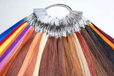 pelo rojo: Pelo artificial utilizado para la producci�n de Pelucas y Extensiones