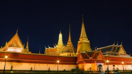 kaew: Night Scene of Wat Phra Kaew Stock Photo