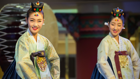 BANGKOK, THAILAND - AUGUST 31: Tamu in Bangkok, Thailand on August 31, 2014. Tamu comprises six sets of imperial court dance which performed to Korean Emperor in the past Redakční