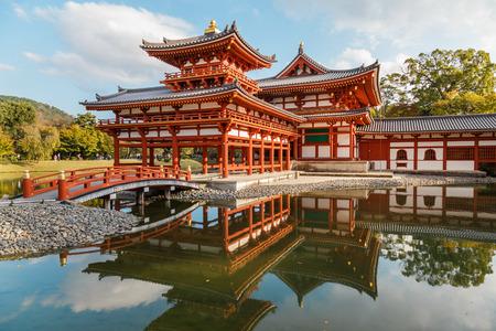 ave fenix: El Phoenix Sal�n de Byodo-en el templo en Kyoto, Jap�n