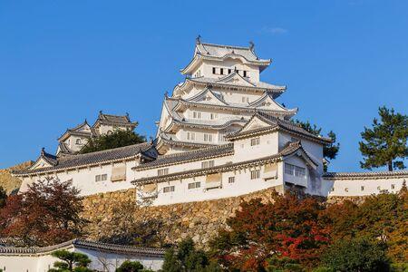 koyo: Himeji Castle in Himeji, Japan