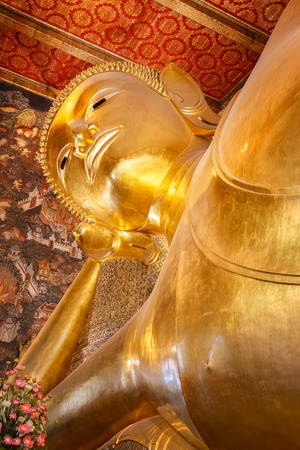 wat pho: The Reclining Buddha at Wat Pho Pho Temple in Bangkok, Thailand