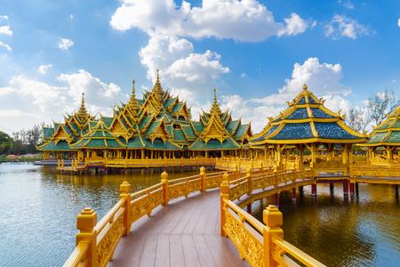 Pavillon de l'Eveillé au Ancient Siam à Bangkok, Thaïlande BANGKOK, THAÏLANDE - 30 Décembre 2015: Pavillon de l'Illuminé, Ancient Siam est un parc construit sous le patronage de Lek Viriyaphant et la diffusion de plus de 0,81 km2 en forme de Bang