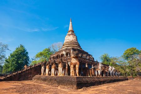 si: Wat Chang Lom Temple at Si Satchanalai Historical Park, a site in Sukhothai, Thailand. Editorial