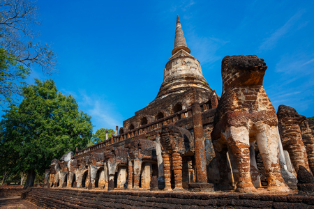 chang: Wat Chang Lom Temple at Si Satchanalai Historical Park, a UNESCO world heritage site in Sukhothai, Thailand