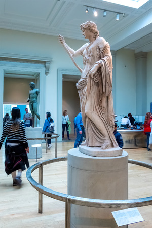 LONDON, UNITED KINGDOM - MAY 12 2018: Acient Greece and Rome Gallery at British Museum - a public institution dedicated to human history, art and culture it's one of the largest and most comprehensive museums 版權商用圖片 - 108088490
