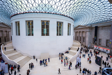LONDON, UNITED KINGDOM - MAY 12 2018: The British Museum is a public institution dedicated to human history, art and culture and is among the largest and most comprehensive in existence. 版權商用圖片 - 108015095
