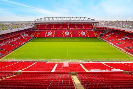 Liverpool, Verenigd Koninkrijk - 17 mei 2018: Anfield Stadium, de thuisbasis van Liverpool Fc met een capaciteit van 54.074 zitplaatsen, waardoor het het zesde grootste voetbalstadion in Engeland is Redactioneel