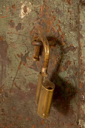 old rustic iron lock from side Imagens