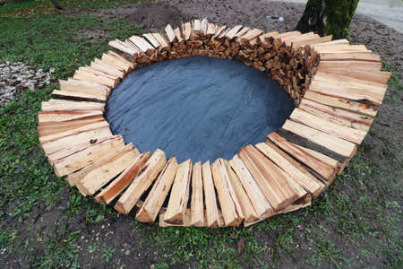 Building Round Wood Pile