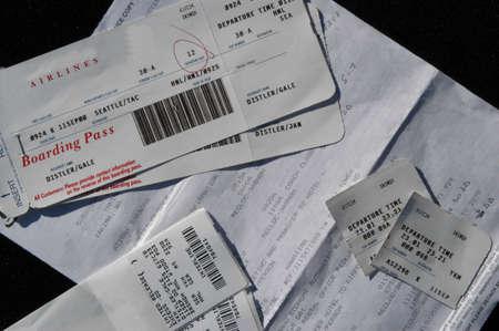 reclamos: paquete de viaje con los billetes de avi�n y el equipaje de reclamaciones