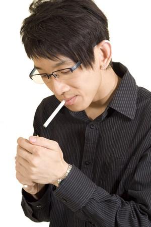 joven fumando: Joven asi�tica fumar
