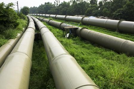 Industrie pétrolière et gazière en plein air à jour