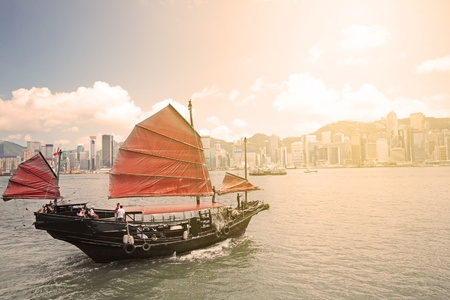 Junk boat with tourists in Hong Kong Victoria Harbour Stock Photo - 10172988