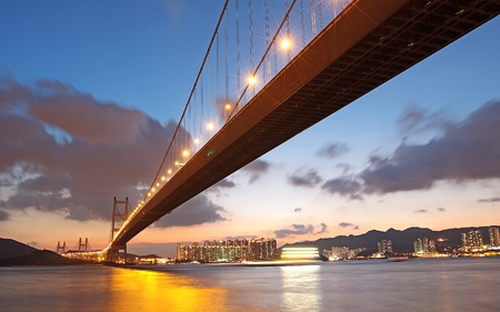 moderne br�cke: Tsing Ma Br�cke Sonnenuntergang, Hongkong