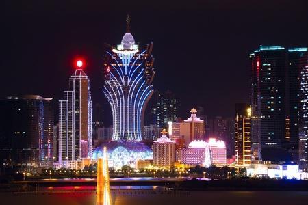 Macao Stadtbild mit berühmten Wahrzeichen von Casino-Hochhaus und Brücke