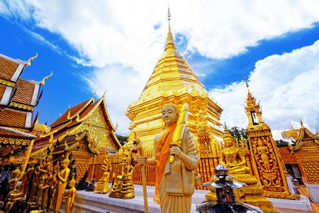 도이 수텝은 치앙마이, 태국의 주요 관광지입니다 왓 프라. 스톡 콘텐츠