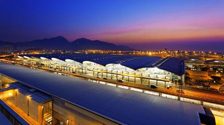 저녁 홍콩 국제 공항