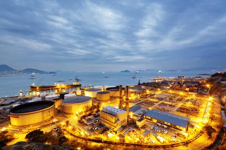 petrochemie industrie: Gloed licht van de petrochemische industrie, Hong Kong