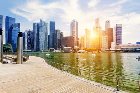日シンガポール市街のスカイライン