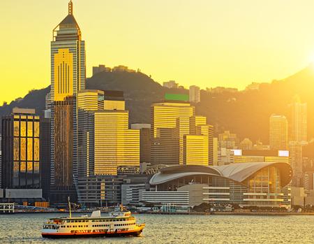 ifc: Hong Kong skyline in sunset