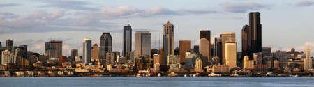 The Seattle skyline at dusk Stock Photo - 13572863