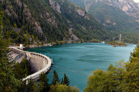 lake diablo: Diablo Dam wall, Washington State