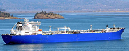 padilla: Oil tanker ship in Padilla Bay, Anacortes, Washington State  Stock Photo