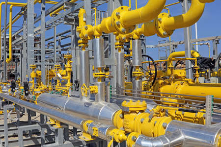 Regulating station with pressure relief valves, instrumentation and pressure regulating valves