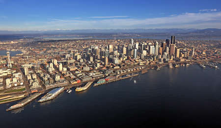 Aerial view of downtown Seattle Stock Photo - 24199990