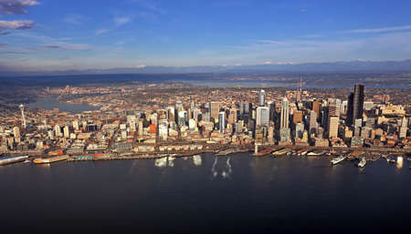 Aerial view of downtown Seattle Stock Photo - 24200010