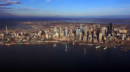 Aerial view of downtown Seattle Stock Photo - 24200012