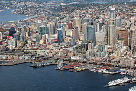 Aerial view of downtown Seattle Stock Photo - 24200029