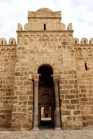 Entrance to the Ribat in Sousse, Tounisia Фото со стока