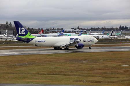 seahawks: EVERETT - Enero 31 Boeing desvela Seattle Seahawks 747 avión en la celebración de los Seahawks de ir al Super Bowl, el 31 de Ene de 2014 en Everett, Washington Editorial