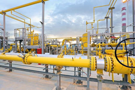 HDR Gas valves, pipes and instrumentation