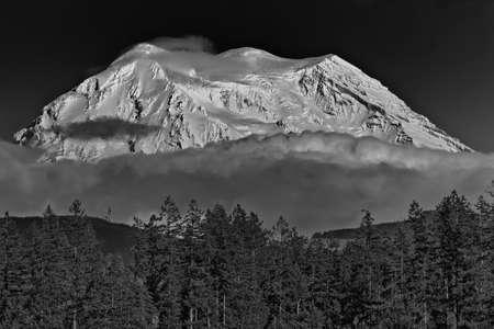 mount rainier: View of Mount Rainier
