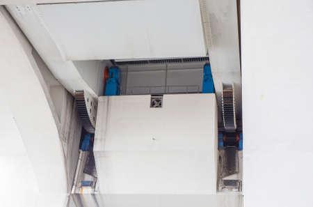draw bridge: Mechanical gear mechanism for a draw bridge