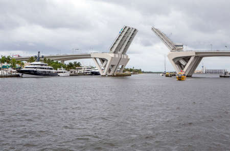 intercoastal: Fort Lauderdale, FL, USA - LAUDERDALE - June 22, 2016: Tourists enjoy a trip along Fort Lauderdales waterways aboard a water taxi. Editorial