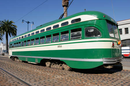 electric tram: San Francisco Muni: green & cream (simplified style)
