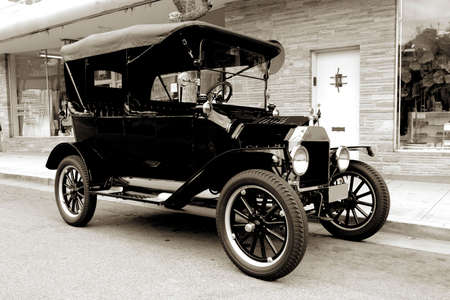 Old car from 1915 in sepia tone Stok Fotoğraf - 1788642