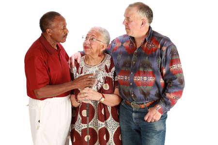 Multiraciale vrienden op zuiver witte achtergrond