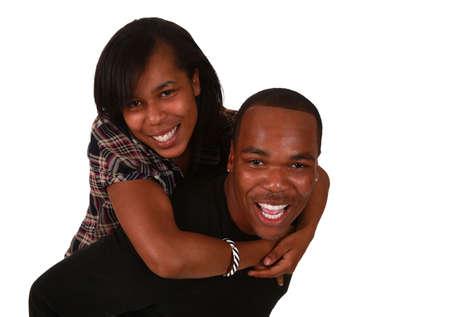 lachendes gesicht: Beautiful African American Ehepaar auf reinen wei�en Hintergrund
