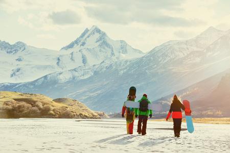 Group friends ski snowboarder concept 版權商用圖片