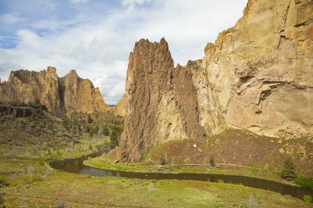 smith rock: Smith Rock State Park near Bend, Oregon is a world class destination for rock climbing. Stock Photo