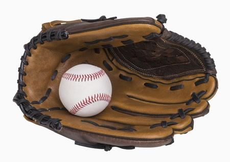 guante de beisbol: Guante de béisbol y béisbol aislado en blanco, incluye el trazado de recorte