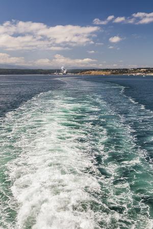 puget sound: Scia lasciata dal traghetto in Puget Sound, Washington