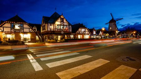 timelapse: The Danish inspired town of Solvang, California at night